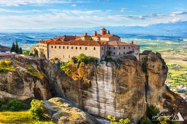 راهب ها از قرن 14 برای یافتن مکانی آرام  به متئورا آمدند.