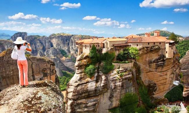 اگر برای بازدید از متئورا به یونان میروید یادتان باشد حتما کفش راحتی بپوشید و آمادگی جسمانی بالایی داشته باشید.