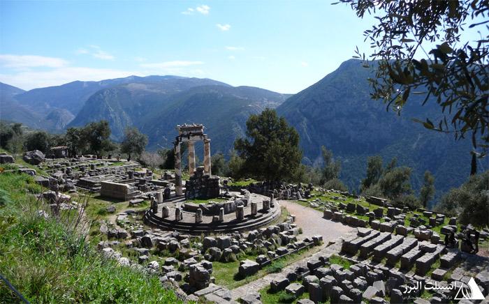 معبد دلفی در یونان