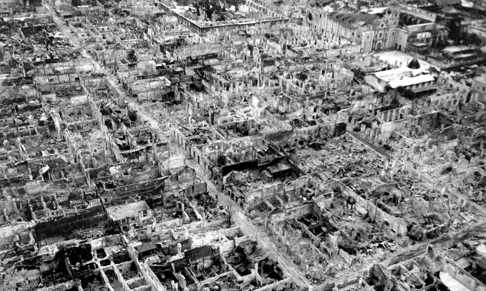 نمایی از بافت تاریخی تخریب شدهی مانیل در جنگ جهانی دوم