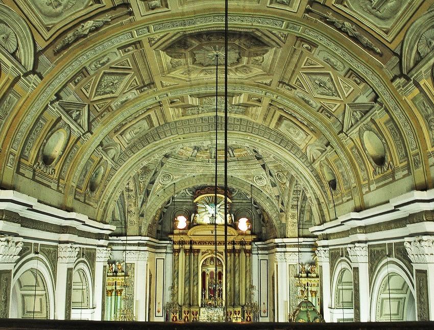 نقاشیهای ترامپلویی سقف کلیسا