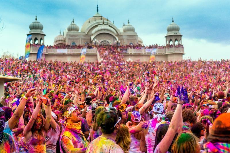 فستیوال معروف و رنگارنگ «هولی»