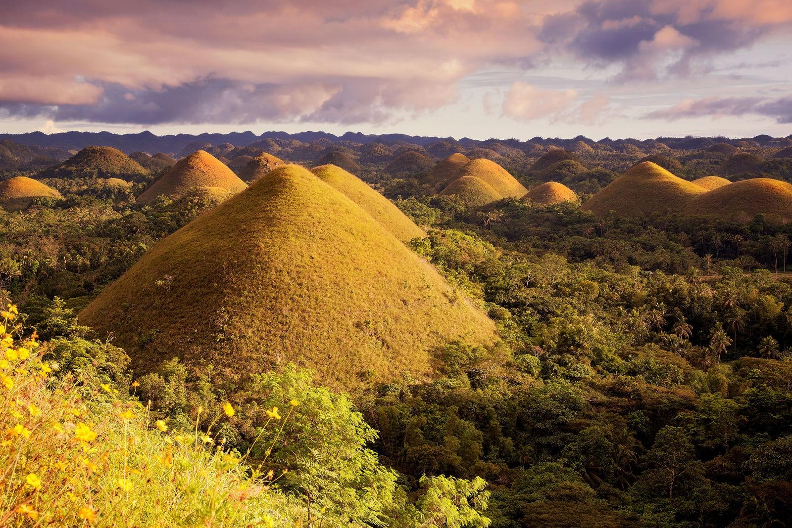 تپههای شکلاتی